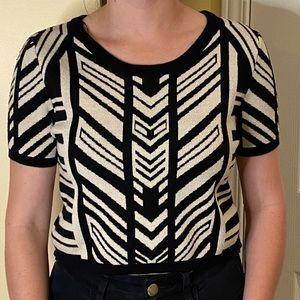 NWOT Cute Black+white printed short sleeve sweater